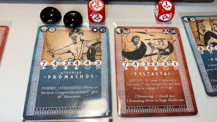 Spielkarten der Athener mit Spielmarkern.