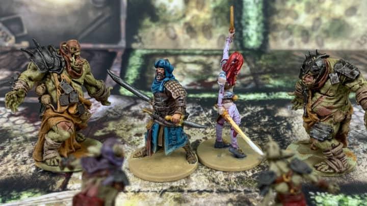 Bemalte Miniaturen aus dem Brettspiel Zombicide, gespielt als 2-Spieler-Spiel.