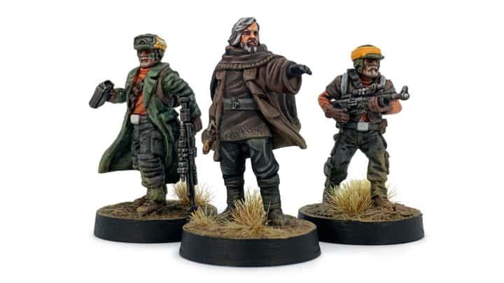 Luke Skywalker aus Resin und zwei Star Wars Legion Rebellen.