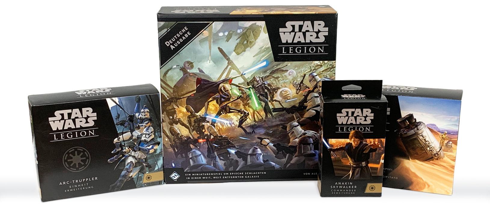 Star Wars Legion Grundspiel mitsamt Erweiterungen. Von links nach rechts: ARC-Truppler Einheit-Erweiterung, Star Wars Legion: Clone Wars Grundspiel, Anakin Skywalker Commander-Erweiterung, Abgestürzte Rettungskapsel Schlachtfeld-Erweiterung.